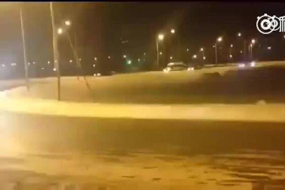 视频:莫斯科郊外的晚上,净是老司机