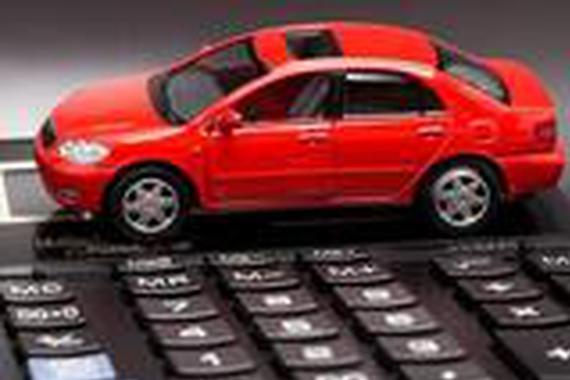 养一台10万的小轿车一年要花费多少钱