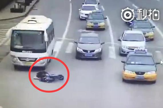 视频:为了赶1分钟的时间 他耗费了一生