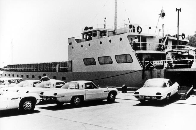 码头等待出口的110S