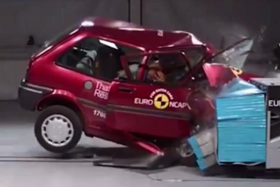 视频:20年的时间 汽车安全进化了多少?