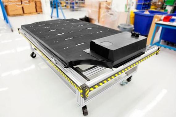 储能锂电池市场争夺升温 特斯拉/比亚迪/中航/桑顿等深化布局
