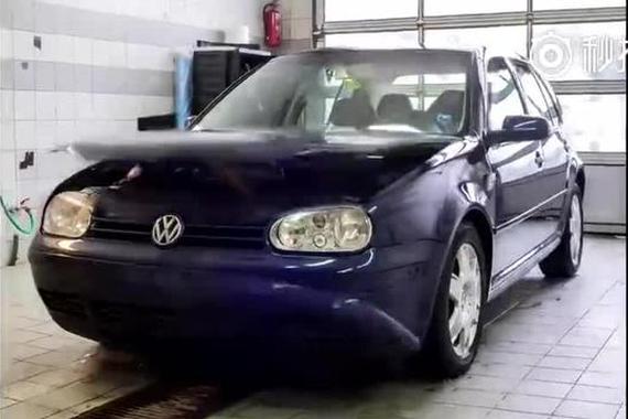 视频:汽车贴膜就是这么贴,好过瘾啊
