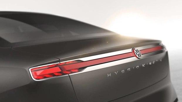 此前发布的宾尼法利纳全新概念车外观预告图