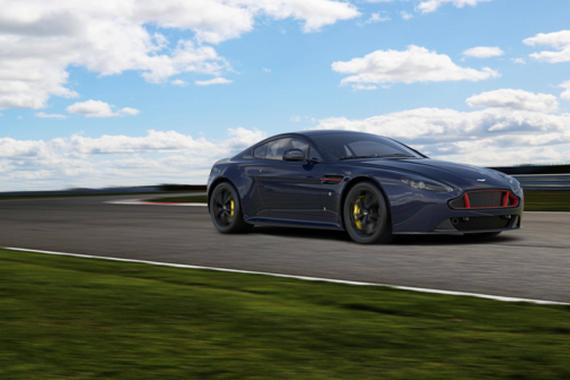 阿斯顿·马丁发布V8和V12Vantage S红牛车队特别版