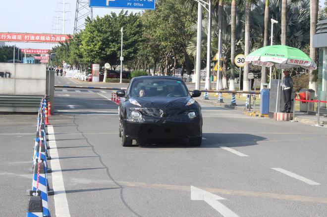 曝东风日产新小型SUV谍照 或为ESQ姊妹车