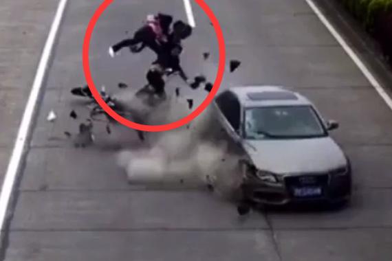 视频:人生最后一次逆行!因为双脚断了