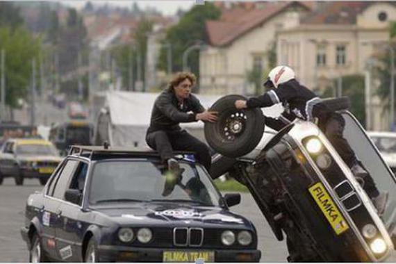 扒一扒《速度与激情7》中的汽车特技