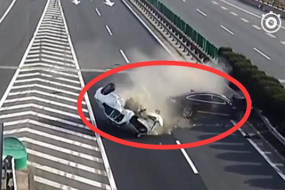 视频:恐怖车祸!高速路上的危险操作