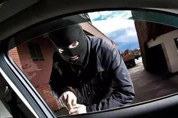 """偷车只需花30秒?这个窃贼有""""神技"""""""