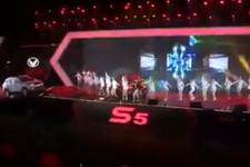 """王蓉为幻速S5献""""啪啪S舞""""歌"""