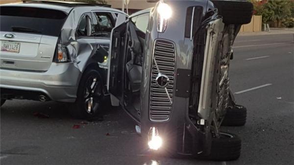 无人车也有人类特征 优步最新车祸因抢黄灯