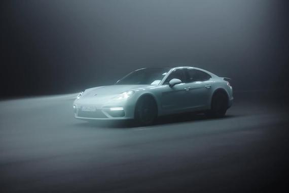 视频:Panamera Turbo S混动发布
