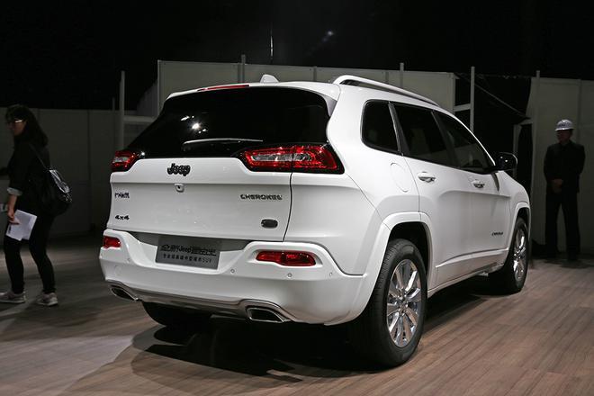 2017上海车展探馆:2017款Jeep自由光