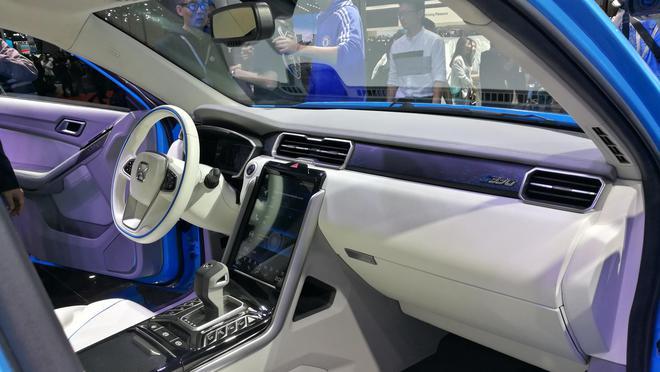 江铃驭胜S330将推插电式混动和纯电动车型