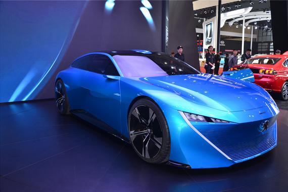 东风标致概念车Instinct搭载自动驾驶技术