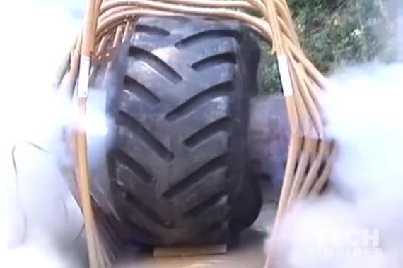 视频:看一下轮胎爆胎的危险性吧