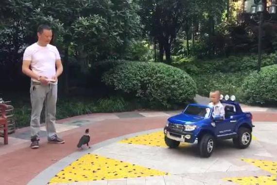 视频:福特猛禽,动力强劲,霸气威猛