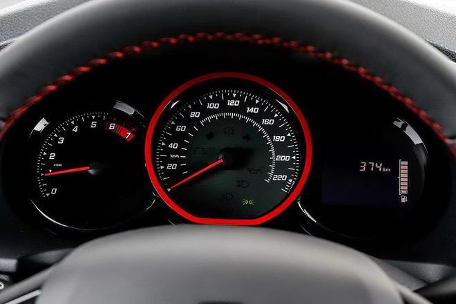 外观更运动 雷诺Sandero RS特别版官图
