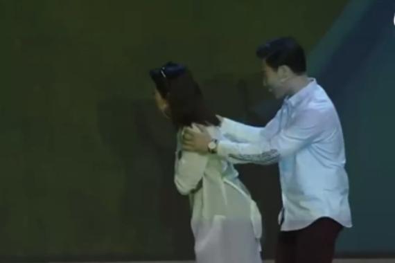 视频:别具一格 长安凌轩上市-舞台剧