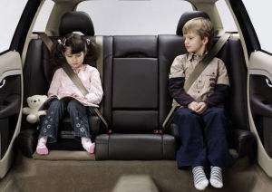 中消协:儿童座椅使用误区多