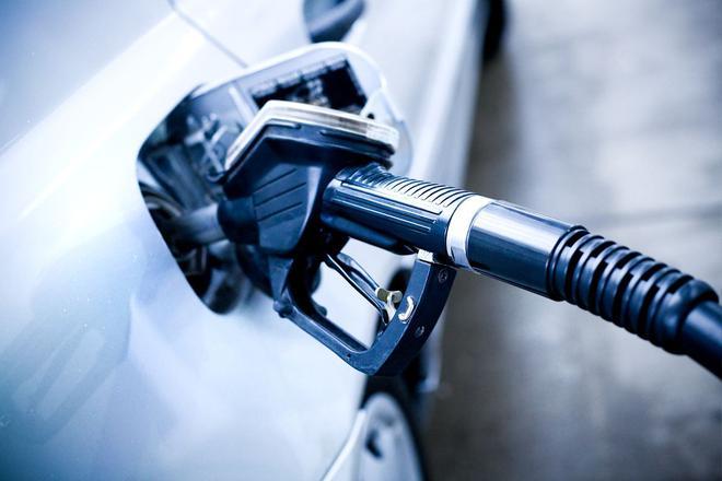 汽车业去产能落重锤 不再批准新燃油车企