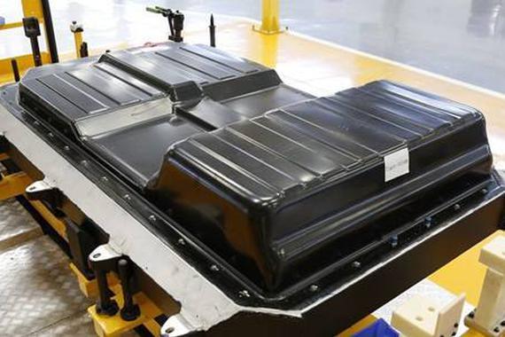 """新能源车实现低碳 动力电池须过""""成本关"""""""