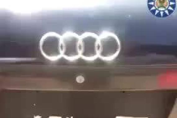 视频:一般人不行!爆改奥迪A6皮卡