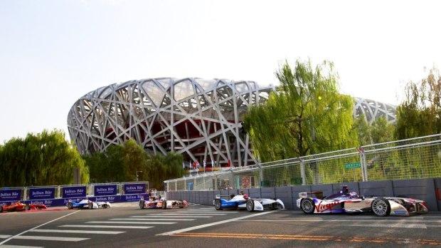 "梅赛德斯-奔驰2019年""触电""Formula E"