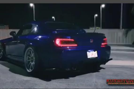 视频:魅力十足 本田S2000疯狂烧胎漂移合集