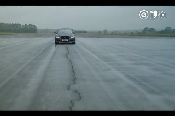 捷豹XJ575,4.4秒破百