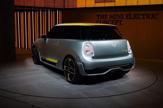 2017法兰克福车展MINI首款纯电动车型亮相
