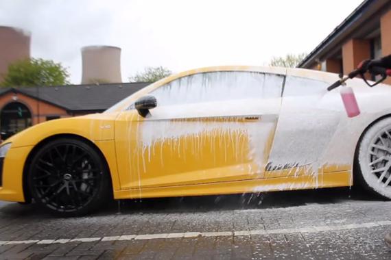 奥迪R8 V10土豪的洗车过程
