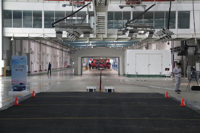 安全至上 全新哈弗H6成功挑战翻滚试验