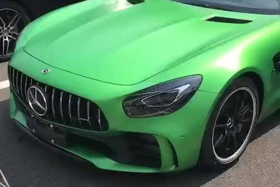 视频:帅气十足的超级跑车
