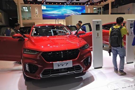 广州车展 自主两强豪车展台对决谁更强?