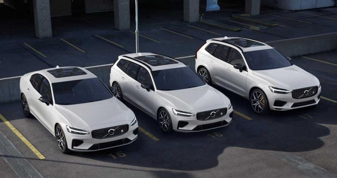 从左至右依次为S60/V60/XC60 Polestar Engineered