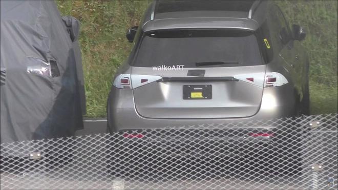 新一代梅赛德斯-奔驰GLE谍照  2018年内发布
