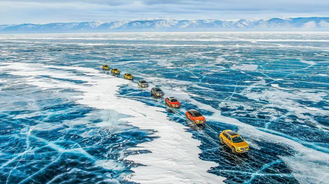 穿越蓝色冰原贝加尔湖 一项纪录惊艳世界