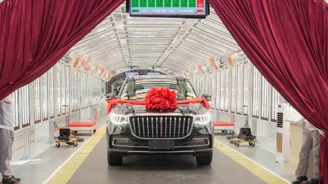 红旗中大型SUV HS7下线 12日上市