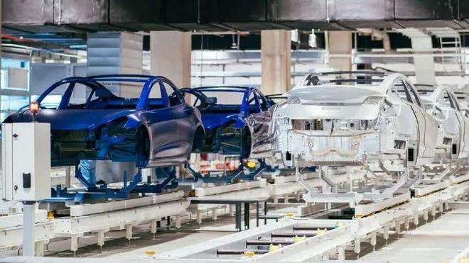 特斯拉上海工厂生产线