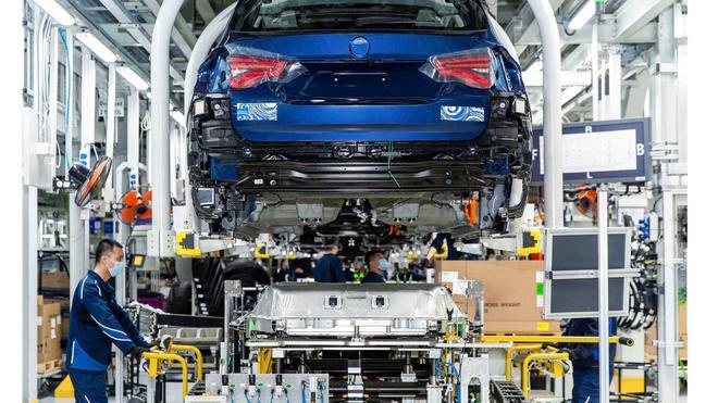 全新宝马iX3第200台试装车下线已成功完成认证测试