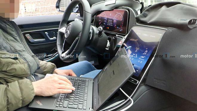 全新迈巴赫S级轿车广州车展首发 超长轴距/奔驰唯一V12车型