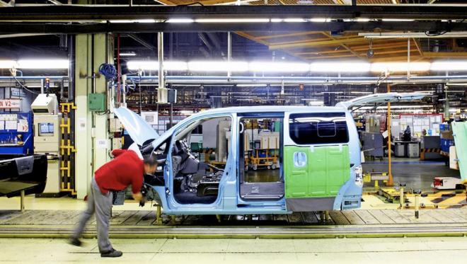 日产将暂时解雇西班牙三家工厂3000名工人