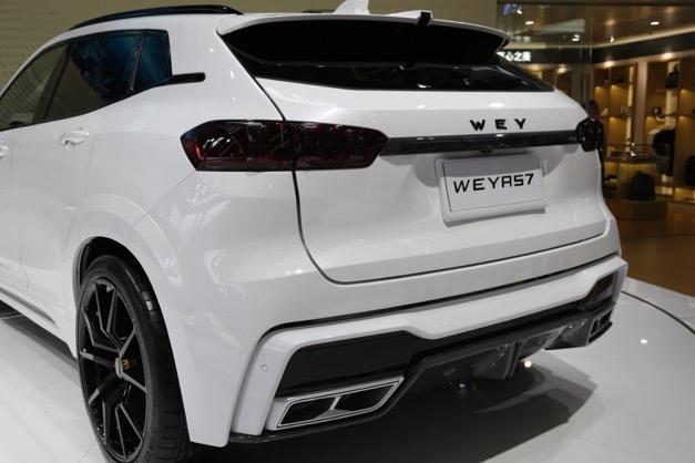 2018北京车展,WEY品牌与巴博斯|汽车(brabus|automotive)联合推出的 WEY RS7车型