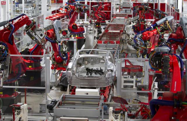 特斯拉暂停Model S和Model X生产 抽调工人加速Model 3量产