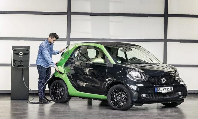 3月仅售出90辆 戴姆勒即将在美国和加拿大停售smart车型