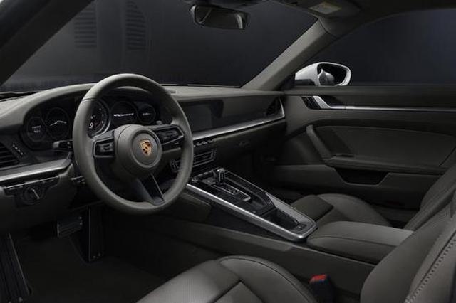 硬顶/敞篷同步 911 Carrera 4系列官图