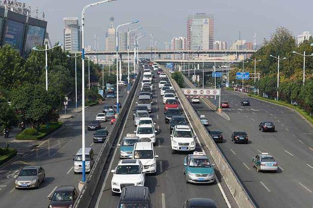 本期小客车增量指标申请审核通过率98.26%
