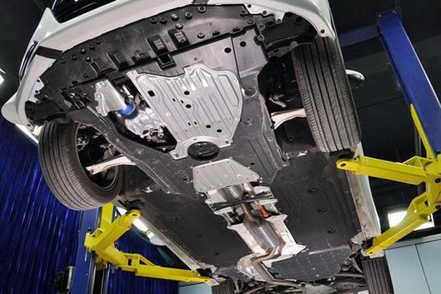 改装|装吗?汽车的底盘护板有什么利弊
